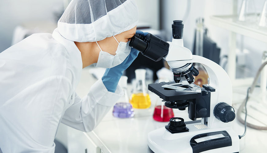 laboratory-assistant-microbiologist